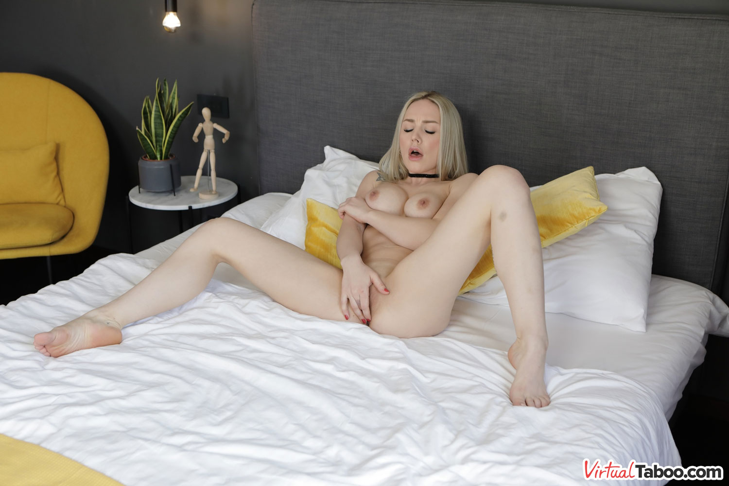 For Your Eyes Only – Angie Lynx